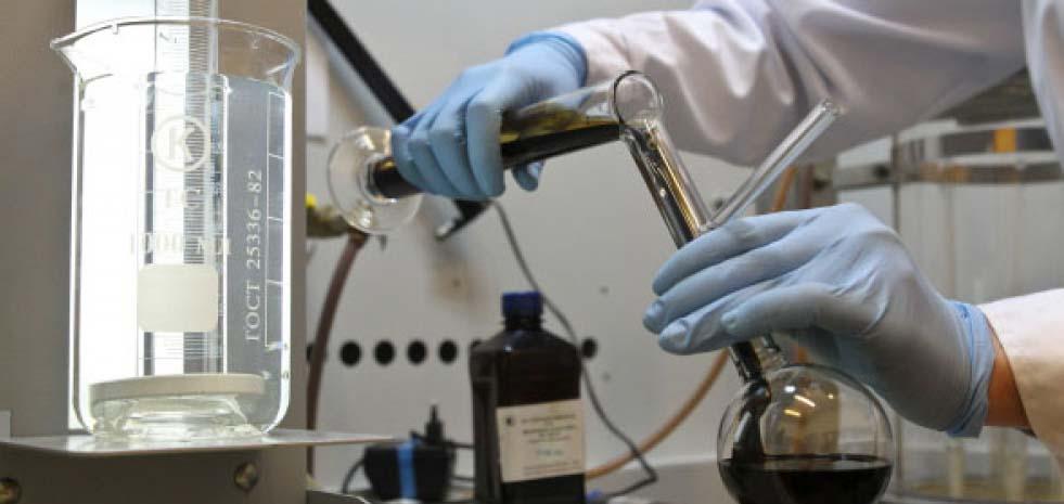 laboratorny`e-issledovaniia-neft-gaz